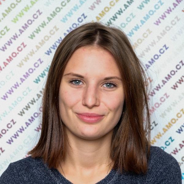 Karolína Oškerová