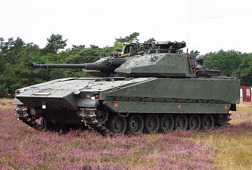 Komentář: Rostoucí investice do těžké vojenské techniky v Česku i evropském kontextu