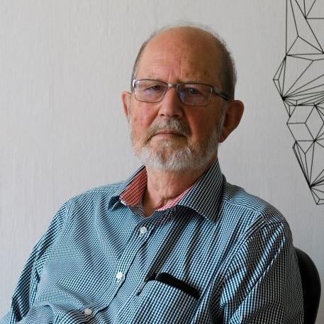 """""""Nejdůležitější jsou jazyky"""", říká v podcastu bývalý diplomat Karel Kovanda"""